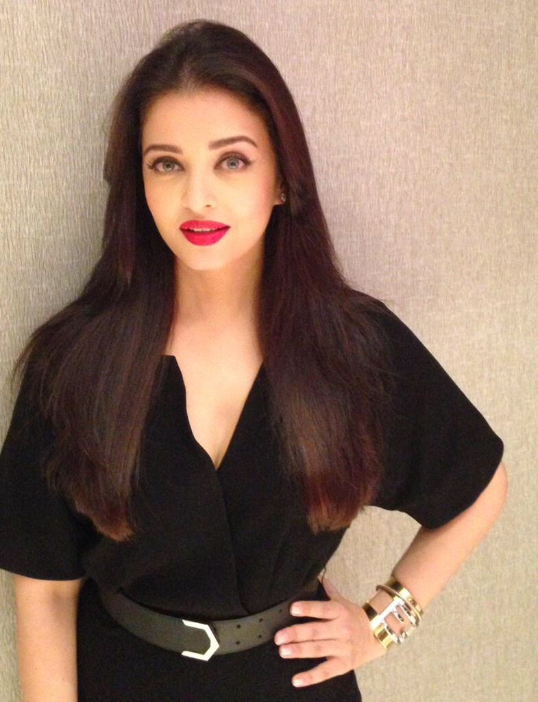Aishwarya Rai Bachchan in Burberry & Fendi | Reveals PURE RED ...